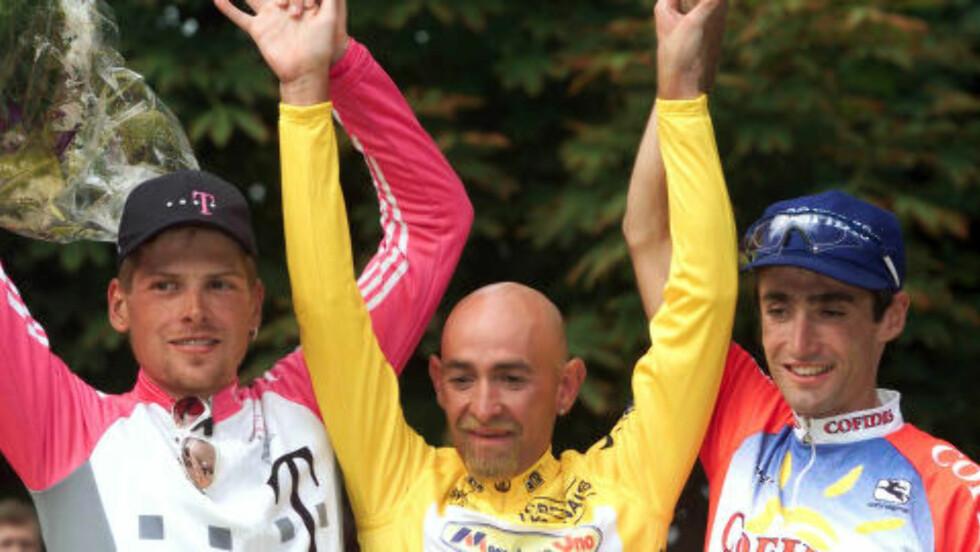 FORRIGE GANG: Slik så det ut da Marco Pantani vant Tour de France i 1998. Siden den italienske yndlingen vant touren, har ingen italieneren klart å kopiere bedriften. Nå er Vincenzo Nibali på god vei. Foto: Eric Gaillard/ (Scanpix/Reuters)