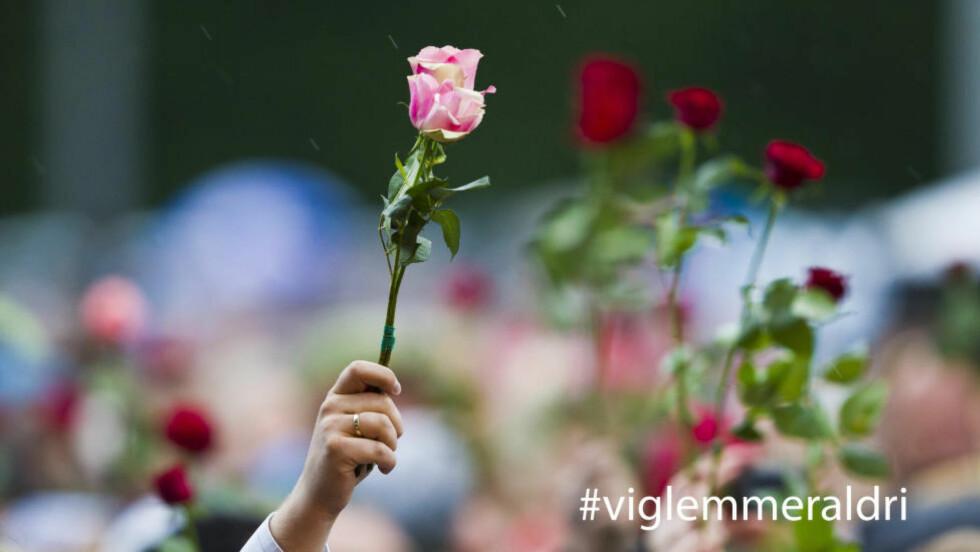 #VIGLEMMERLADRI: Del ditt sterkeste minne fra 22. juli med hashtaggen #viglemmeraldri. Foto: Vegard Grøtt / NTB scanpix