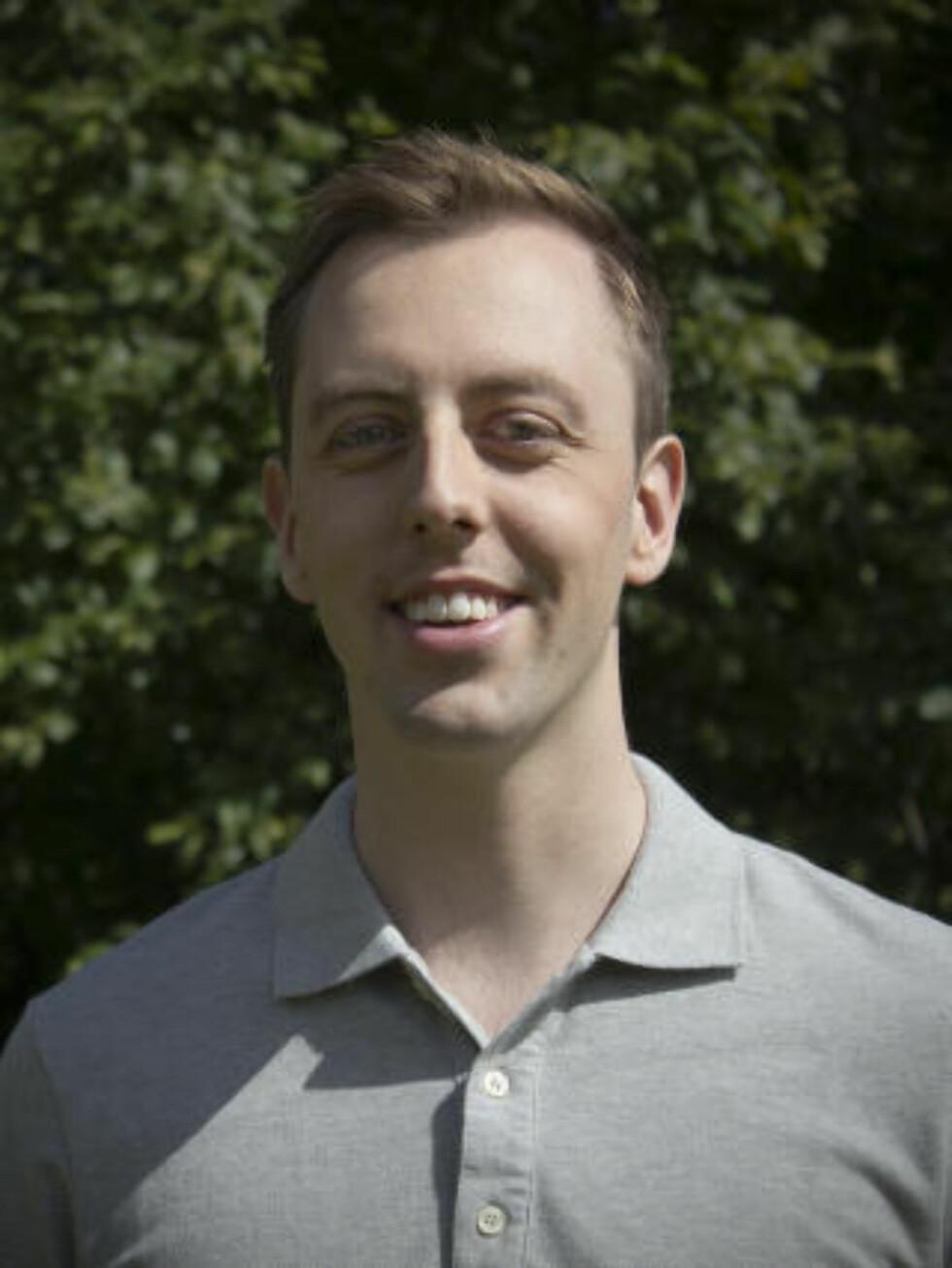 STØTTER SP: Lederen av SVs ungdomsparti, Nicholas Wilkinson, støtter Senterparti-lederen i hans syn på snøskuterkjøring i utmark. Foto: SU