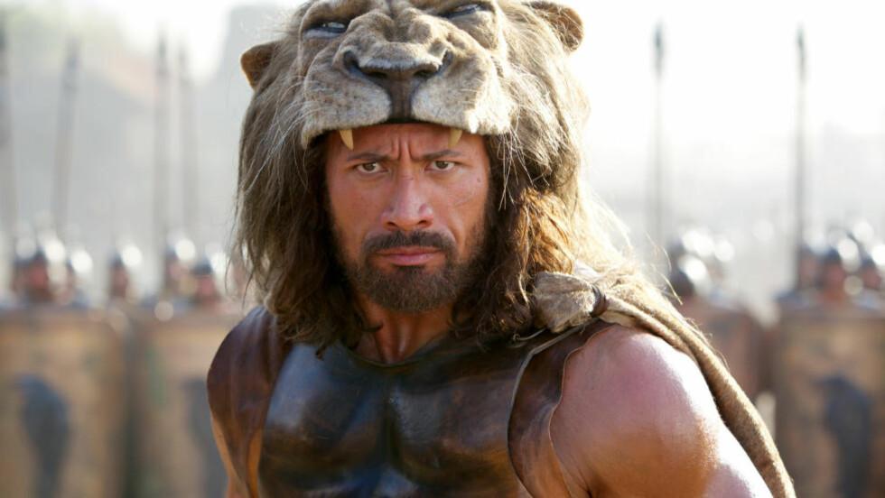 VOLDSOM TYPE: Dwayne Johnson som Hercules i en scene fra storfilmen med samme navn. AP Photo/Paramount Pictures