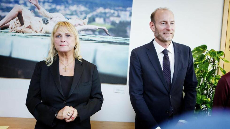 DENGANG DA: Kulturminister Thorhild Widvey (H) med Knut Olav Åmås ved regjeringsskiftet i fjor høst. Foto: Christian Roth Christensen