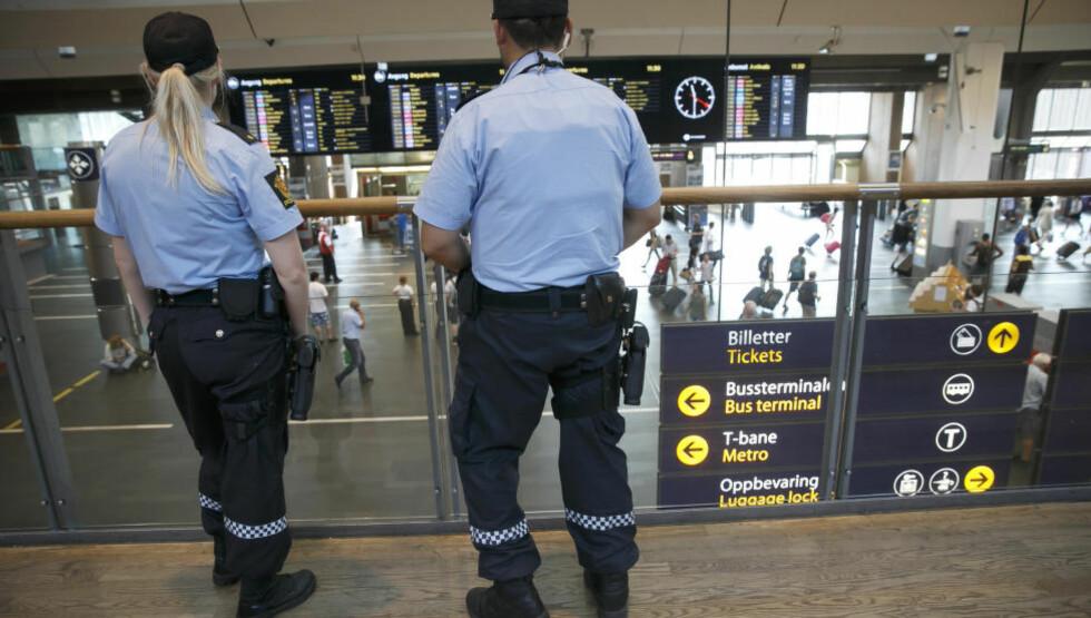 SAMARBEIDER MED POLITIET: Kommunenes krisestaber samarbeider tett med politiet i forbindelse med terrortrusselen mot Norge Foto: Heiko Junge / NTB scanpix