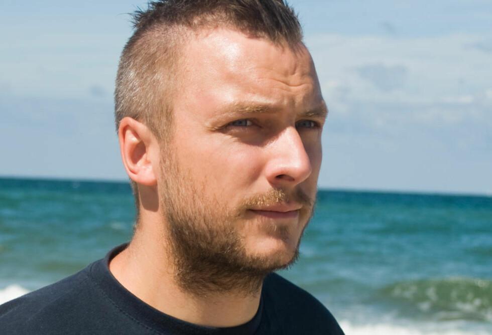 - «BILLIG» UNDERHOLDNING: Fredrik Myhre er leder for Hjelp Havets Haier. Han mener Viasat 4 burde ta dokumentarserien «Haijegerne» av lufta. Foto: Hjelp Havets Haier