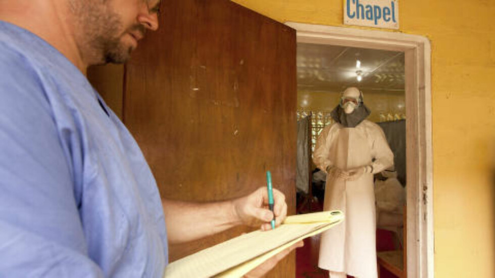HELSEARBEIDER SMITTET:  To amerikanske helsearbeidere er nå smittet av Ebola i Liberia. Kent Brantly (bildet) er en av dem. Men Leger uten grenser sier at så lenge beskyttelsesrutinene følges, er det ikke fare for at flere helsearbeidere skal få det dødelige viruset.  Foto: Samaritan's Purse / Reuters / NTB Scanpix