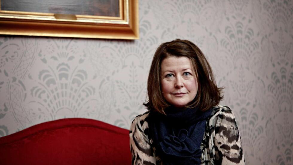 VIL FORTSETTE: Hanne Tømta ønsker å lytte til alle parter på Nationaltheatret, men er i utgangspunktet skeptisk til å avslutte kunstneriske samarbeid av politiske årsaker. Foto: Lars Eivind Bones