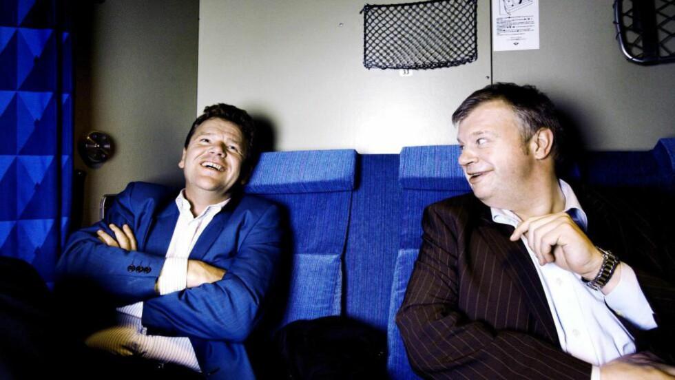 ØYSTEIN DJUPEDAL:  Da fylkesmannen renset sitt house, handlet han first og spurte heller ikke etterpå. Her på natt-toget sammen med Bjarne Håkon Hanssen (t.h.) fra First House. Foto: frank Karlsen