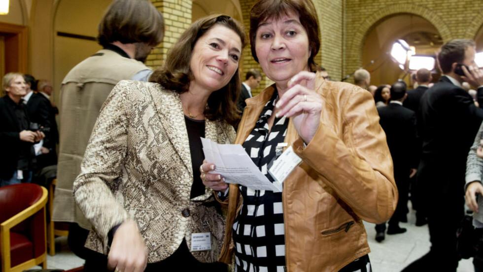 I KONFLIKT: Administrerende direktør i NHO, Kristin Skogen Lund (t.v.) og LO-leder Gerd Kristiansen ikke like gemyttlige som i fjor høst. Foto: Håkon Mosvold Larsen / NTB scanpix