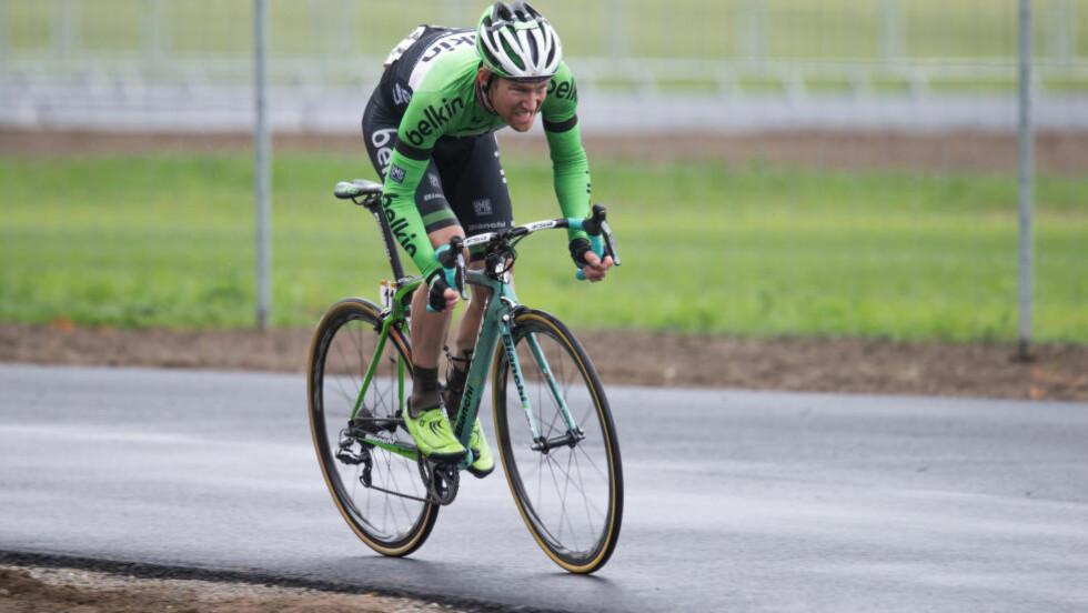 OFFENSIV:  Lars Petter Nordhaug angriper ofte, men i dag holdt det endelig helt inn for Belkin-rytteren. Foto: Audun Braastad / NTB scanpix