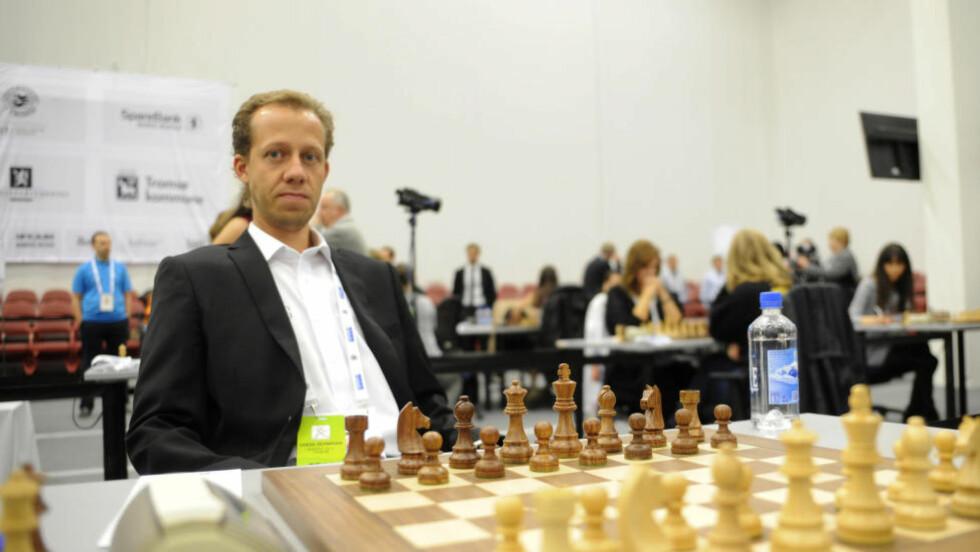 VANT: Samtlige spillere på det norske førstelaget vant sine partier i sjakk-OLs siste dag, blant annet Kjetil A Lie (bildet). Dermed vant de hele 4-0 over Malaysia. Foto: Rune Stoltz Bertinussen / NTB scanpix