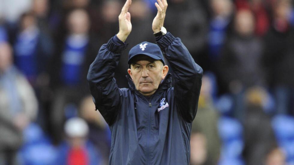 FERDIG: Tony Pulis er ferdig som Crystal Palace-trener, snaue to døgn før klubben serieåpner mot Arsenal. Foto: REUTERS/Rebecca Naden
