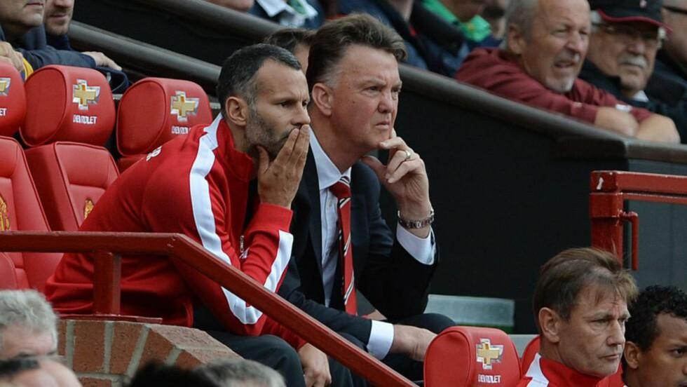 SKUFFET: Manchester United-manager Louis van Gaal var skuffet etter tapet på Old Trafford i sesongens første ligakamp. Foto: EPA/PETER POWELL