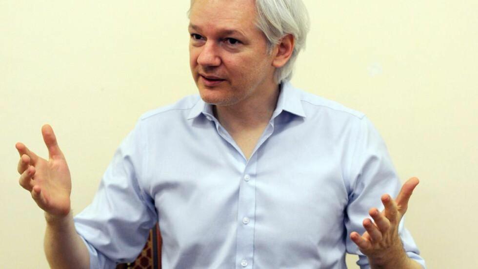 VIL FORLATE AMBASSADEN:  På en pressekonferansen i dag sier Wikileaks-grunnleggeren Julian Assange at han vil forlate Ecuadors Ambassade.