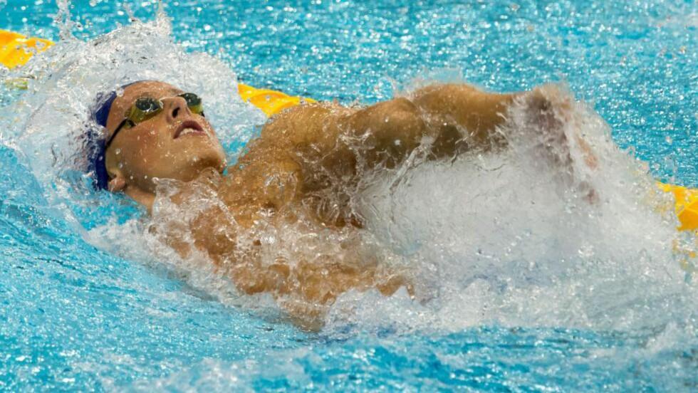 SLÅTT UT:  Lavrans Veieroe Solli endte sist i sitt semifinale-heat i svømme-EM på 100 meter rygg. Foto:  EPA/TIM BRAKEMEIER