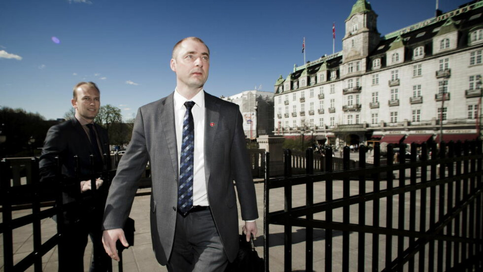 FØLGER MED: Arbeidsminister Robert Eriksson (Frp) har mulighet til å gripe inn i lærerstreiken. Foto: Bjørn Langsem / DAGBLADET