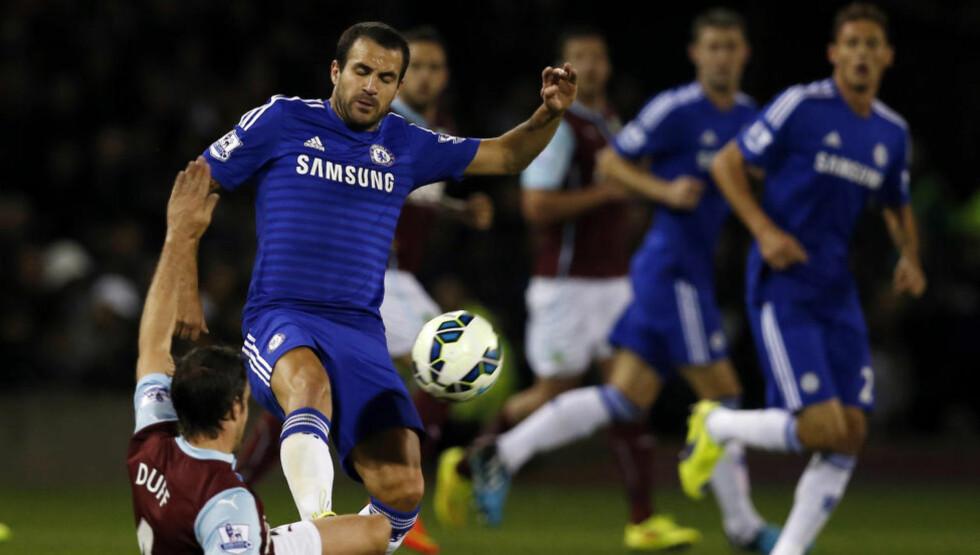 GOD START: Chelsea og Cesc Fabregas åpnet sesongen med å slå Burnley 3-1. Foto: REUTERS / Andrew Yates / NTB Scanpix