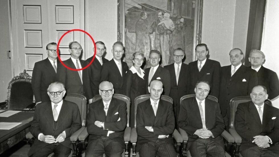 KGB-NAVNGITT: For litt over ei uke siden skrev Dagbladet at Gunnar Bøe blir navngitt som KGB-agent i Mitrokin-arkivet. Bøe var lønns- og prisminister i Gerhardsens tredje regjering fra 1959 til 1962. Under dekknavnet «Mono» skal Bøe gitt KGB graderte dokumenter i bytte mot over en million kroner (i dagens kroneverdi) fra 1960 til 1963. Her sammen med resten av Gerhardsen-regjeringen. Foto: ARBEIDERBEVEGELSENS ARKIV OG BIBLIOTEK