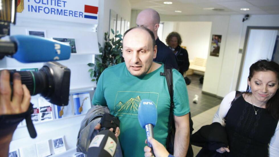 SLITEN: Den kidnappingssiktede Mansur Mahashev (43) sammen med sin advokat Cecilia Dinardi etter avhørene på Kongsvinger i dag. Foto Bjørn Langsem / Dagbladet
