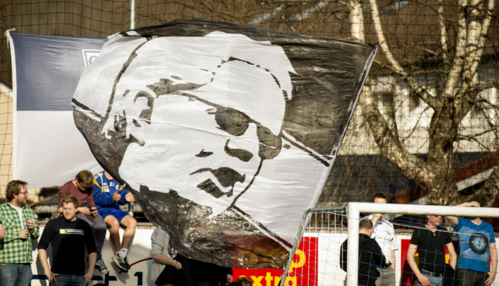 TAKK OG UNNSKYLD: Rosenborg supportere har aldri glemt hva Nils Arne Eggen utrettet for klubben, og i dag gir de ham en unnskyldning. «Noe du aldri vil få fra de ansvarlige», skriver Kjernen i et åpent brev. Foto: Ned Alley / NTB Scanpix