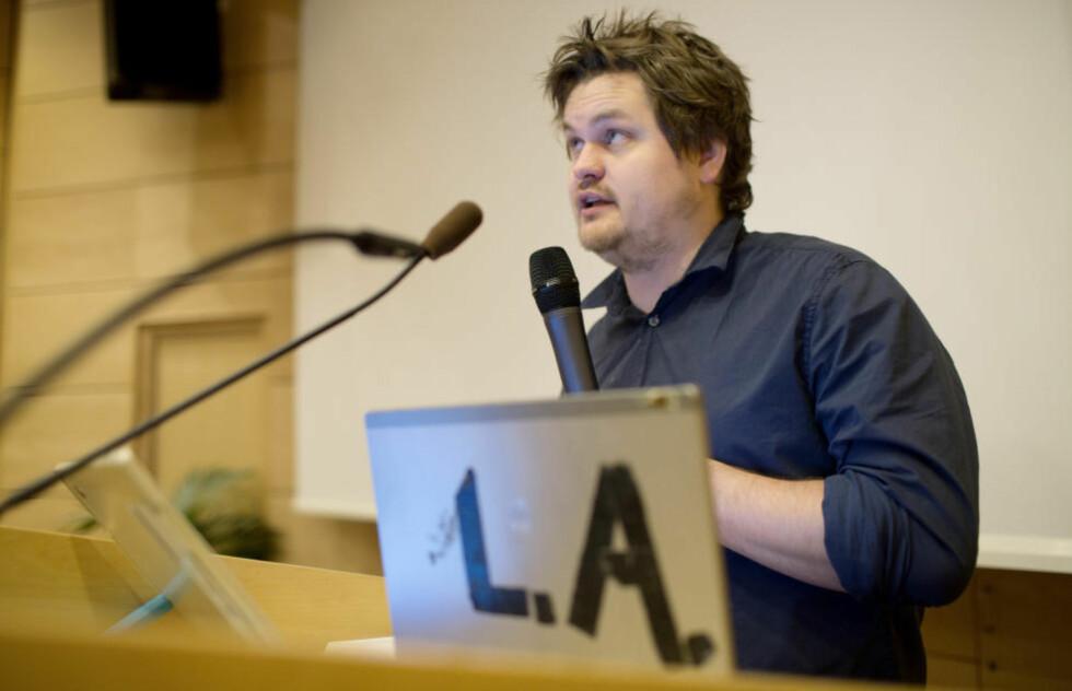 ISLAMEKSPERT: Forfatter og journalist Lars Akerhaug avviser at Frps språk og retorikk fører til radikalisering av muslimer. Foto: Thomas Winje Øijord / NTB scanpix