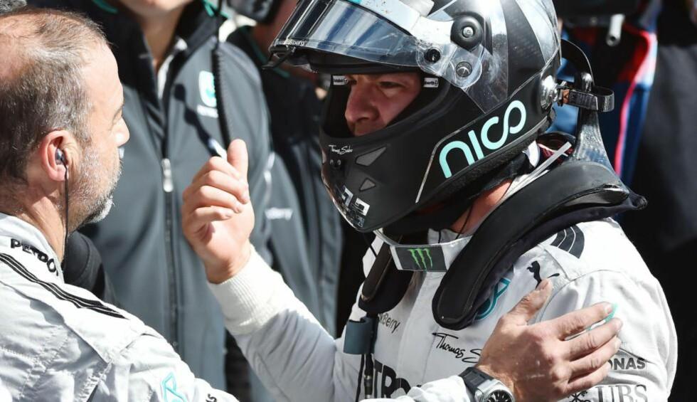 TAUS:  Nico Rosberg ville ikke kommentere kaoset før han hadde sett reprise. Foto: NTB Scanpix
