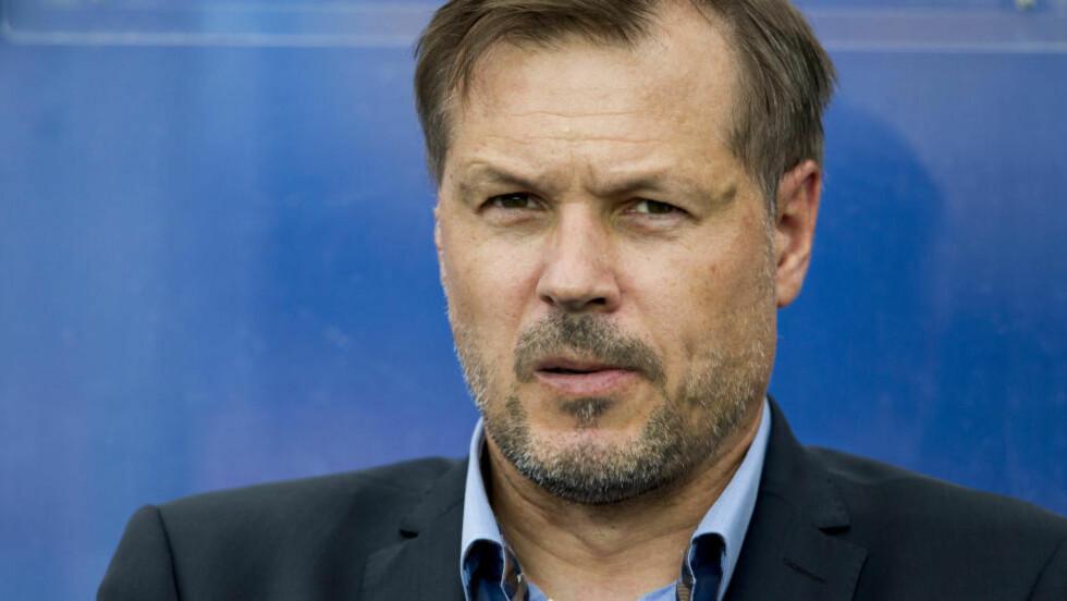 SKEPTISK:  Kjetil Rekdal lot seg ikke imponere av Ronny Deilas mannskap i kveld, og Vålerenga-treneren tror ikke den skottske mesteren hadde vunnet serien her hjemme. Foto: Vegard Grøtt / NTB scanpix