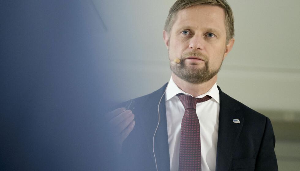 SKITTEN VALGKAMP: Høyres nestleder Bent Høie mener Ap har startet en skitten valgkamp. Han viser til flere eksempler der han mener Ap sverter Høyre istedenfor å legge fram egne politiske løsninger. Foto: Scanpix