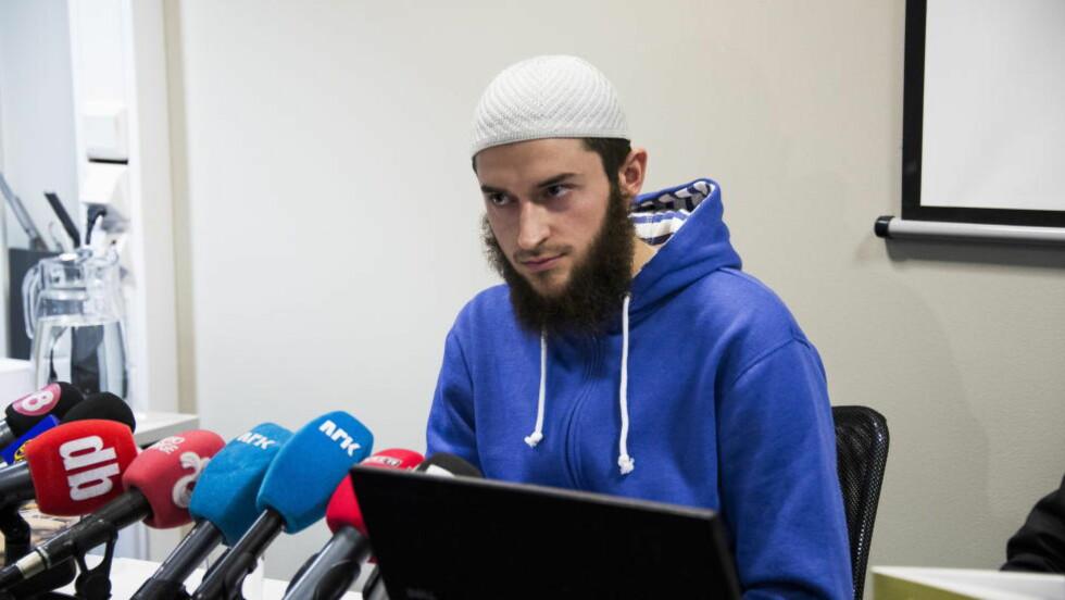 DØDE I SYRIA: Denne uka ble Egzon Avdyli (bildet) drept i Syria. Bildet er fra da Profetens Ummah holdt pressekonferanse på Anker Hotel for å fortelle om seg selv. Foto: Håkon Eikesdal