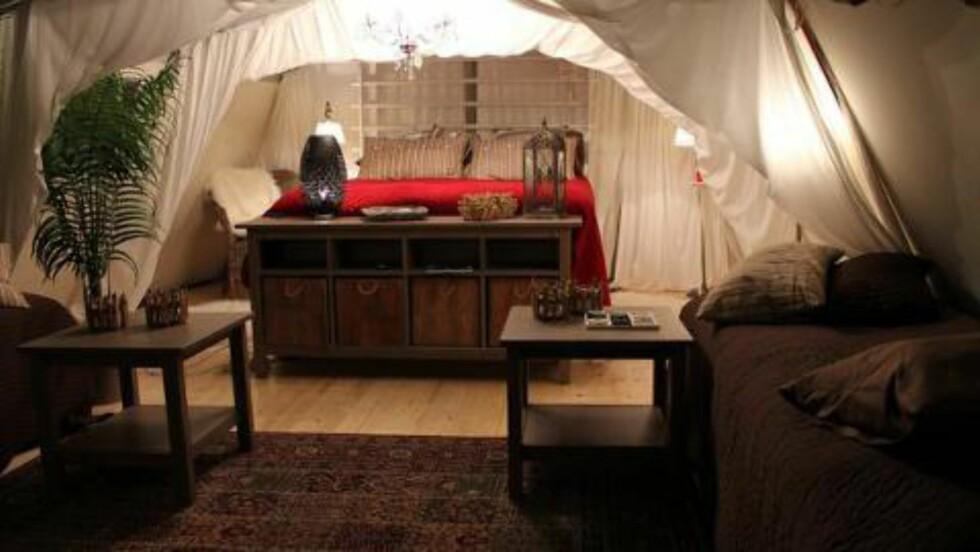 LUKSUS: På Böda Sand kan man leie telt med skikkelige senger. Foto: BÖDA SAND