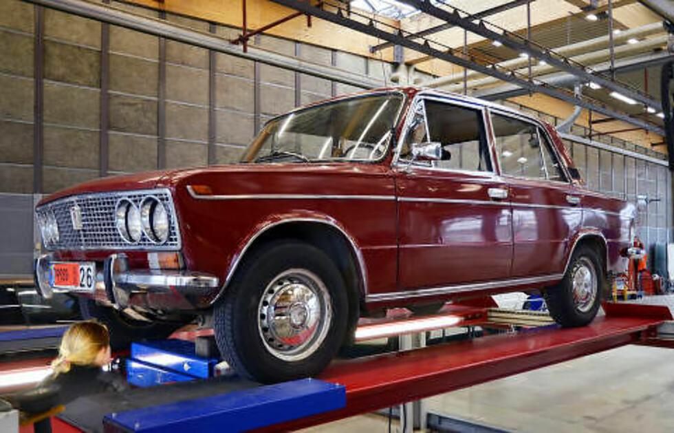 NOE Å HA, DA: En strøken 1975-modell Lada 1500 S kan du få fiks ferdig på norske skilter for 14 500 kroner. Foto: STEIN INGE STØLEN / AUTOFIL