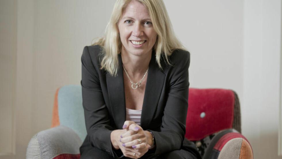 UFRIVILLIG BARNLØS: Nå skriver Mina Gerhardsen om den vonde tida. (Foto: Actis)