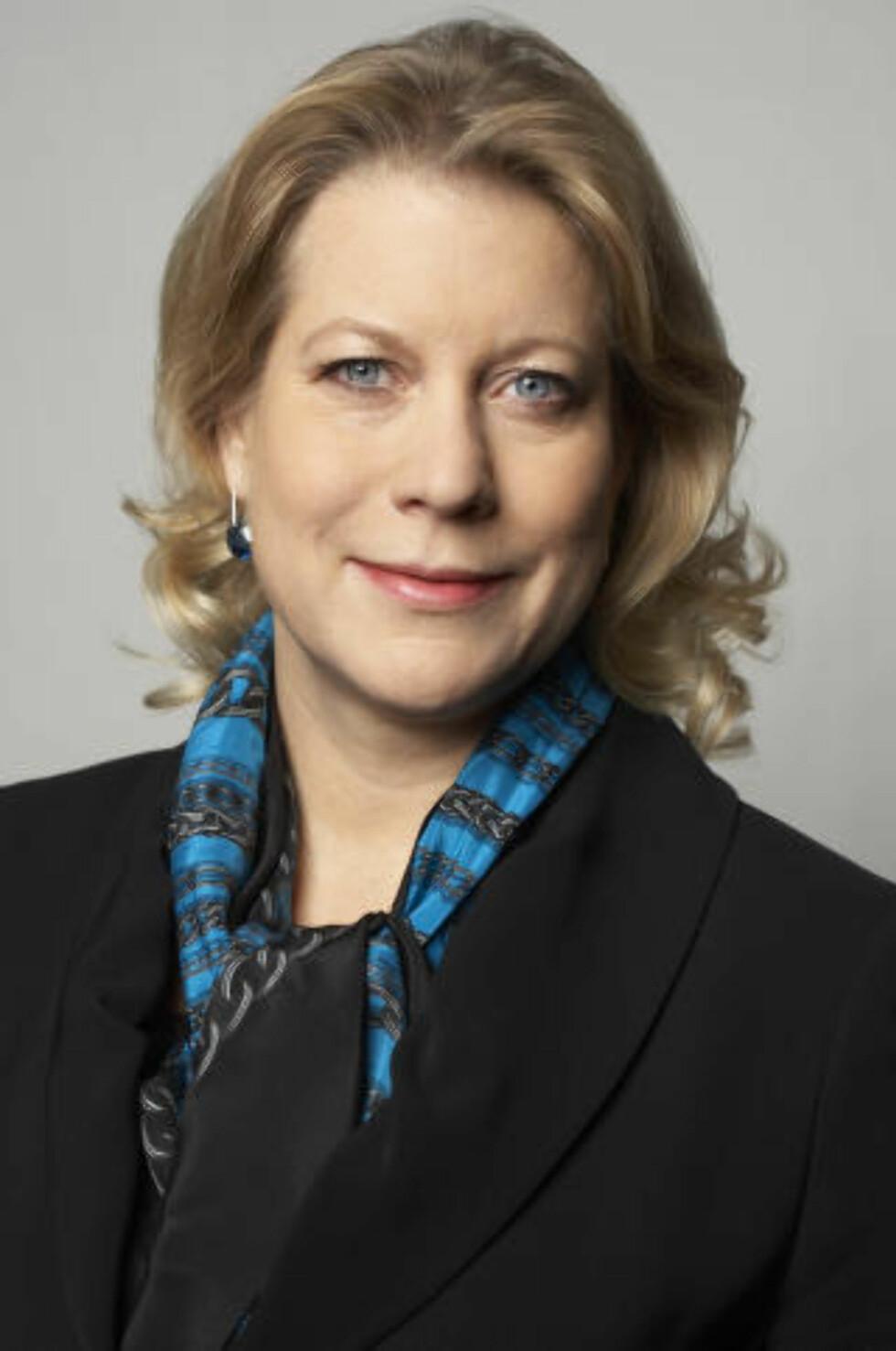 <strong>ØKONOMISK GEVINST:</strong> Catharina Elmsäter-Svärd, svensk infrastrukturminister, ser framtidsmuligheter for svensk økonomi i selvkjørende biler. (Foto: VOLVO)