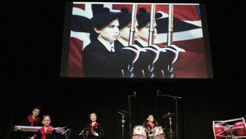 BLIR MISTRODD:  Morten Traavik har laget flere kunstprosjekter knyttet opp mot Nord-Korea, sist «Kardemomyang» under Festspillene i Bergen, som pågår til 4. juni. Foto: Thor Broderskift / Festspillene i Bergen