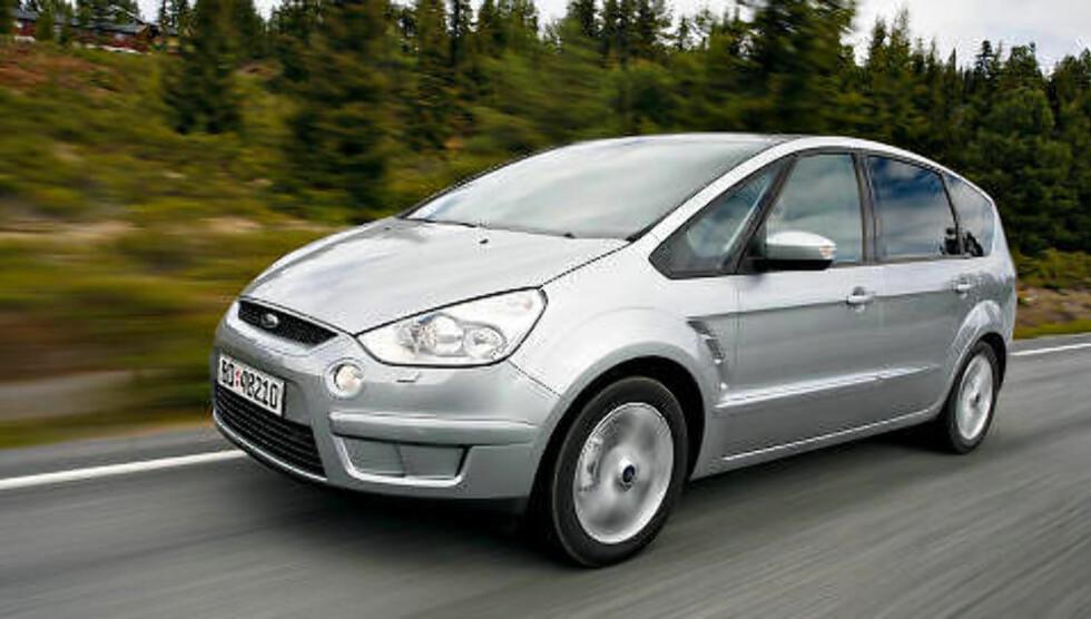 FORD S-MAX: Beste flerbruksbil under 300 000 kroner. Foto: Espen Stensrud / Autofil