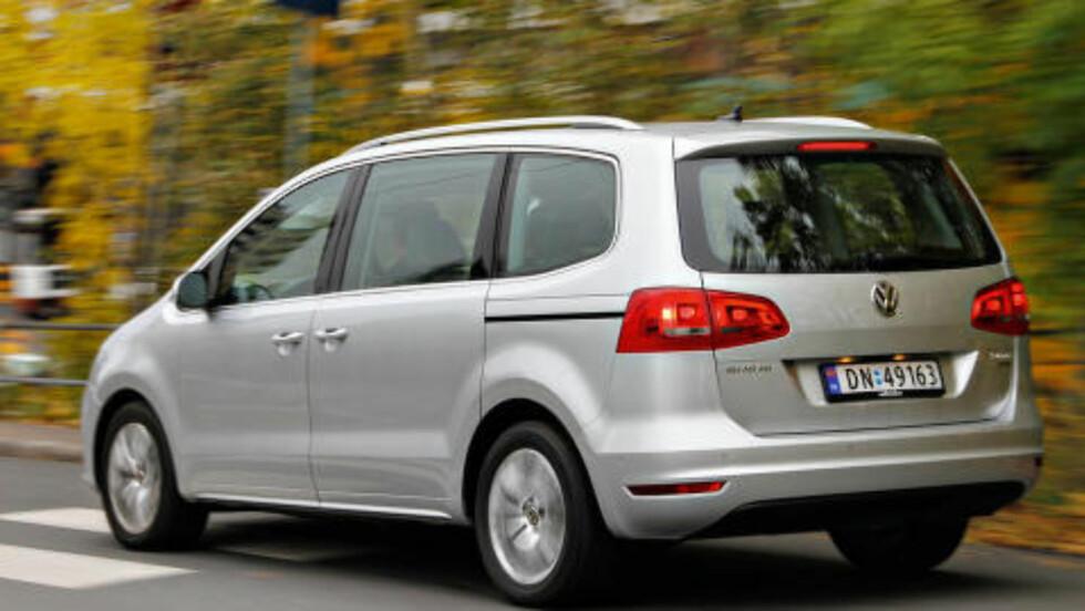 VW SHARAN: Beste flerbruksbil under 500 000 kroner. Foto: Espen Stensrud / Autofil
