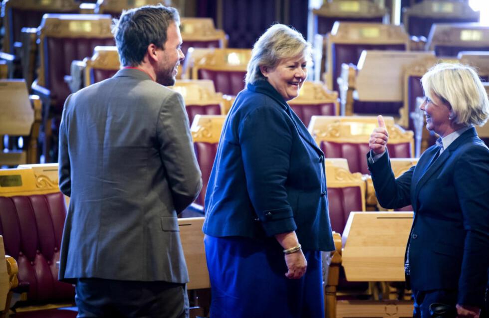TOMMEL OPP? SV-leder Audun Lysbakken ønsker at ingen av statens ledere skal tjene mer enn statsminister Erna Solberg (H). Det spørs om Monica Mæland gir tommel opp til det forslaget når hun legger fram statens eierskapsmelding 20. juni. Foto: Erlend Aas / NTB scanpix
