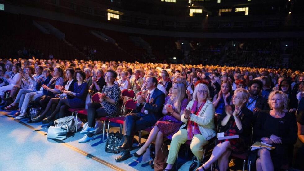 TUSEN PÅ TUSEN: Denne forsamlingen, her under åpningen av Nordisk Forum på et fullsatt Malmø Arena torsdag, var det som buet da statsråd Solveig Horne i dag fortalte om Fremskrittspartiets holdninger til kvotering. Foto: Vilhelm Stokstad / TT / NTB scanpix