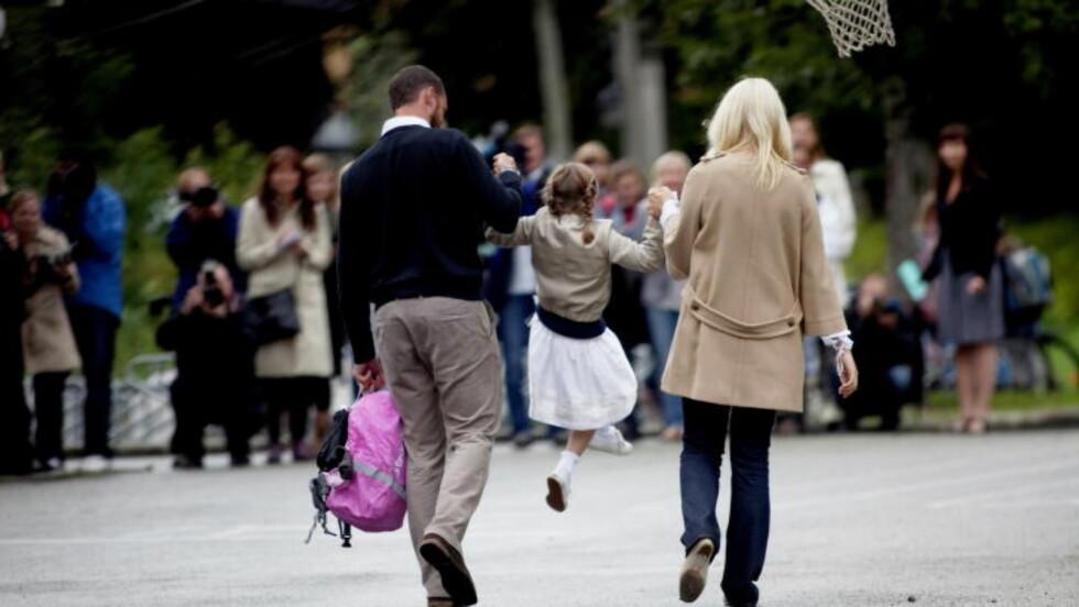 DETT VAR DETT: På bildet drar prinsesse Ingrid Alexandra og foreldrene hjem fra første skoledag på Jansløkka skole i Asker i 2010. Foto: Stian Lysberg Solum / NTB Scanpix