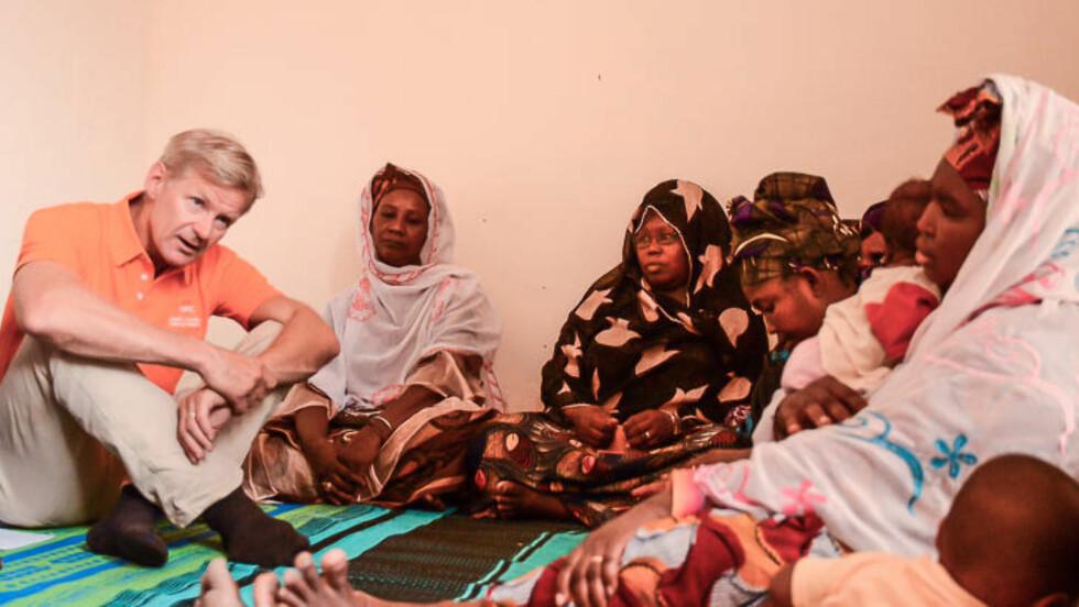 DESPERAT SITUASJON:  Denne uka er Jan Egeland i Mali, der 300 000 innbyggere er drevet på flukt på grunn av den pågående konflikten. - Situasjonen er prekær. Norge må bidra mer, er Egelands klare melding. Foto: Flyktninghjelpen