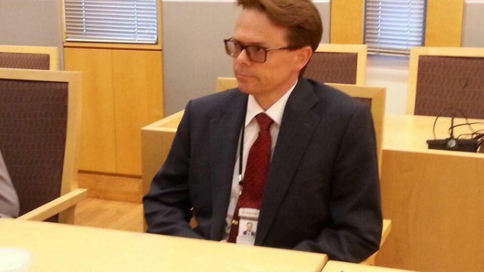 BER OM FIRE UKER: Politiadvokat Hans-Christian Ingebrigsten ba om fire ukers fengsling for fire av de siktede. Foto: Politiet