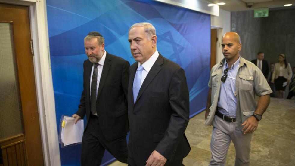 ADVARER: Israels statsminister, Benjamin Netanyahu advarer USA mot å samarbeide med Iran for å stanse ISIL. Foto: AP Photo/Baz Ratner, Pool