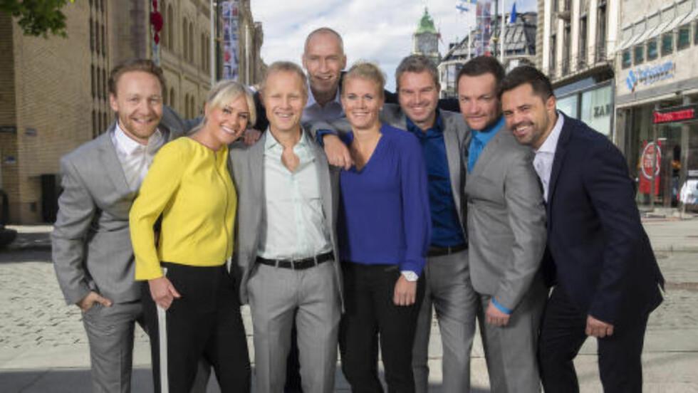 TV 2s VM-team: Asbjørn Myhre, Julie Strømsvåg, Øyvind Alsaker, Erik Thorstvedt, Solveig Gulbrandsen, Petter Myhre, Per-Jarle Heggelund og Jan-Henrik Børslid. Foto: TV 2