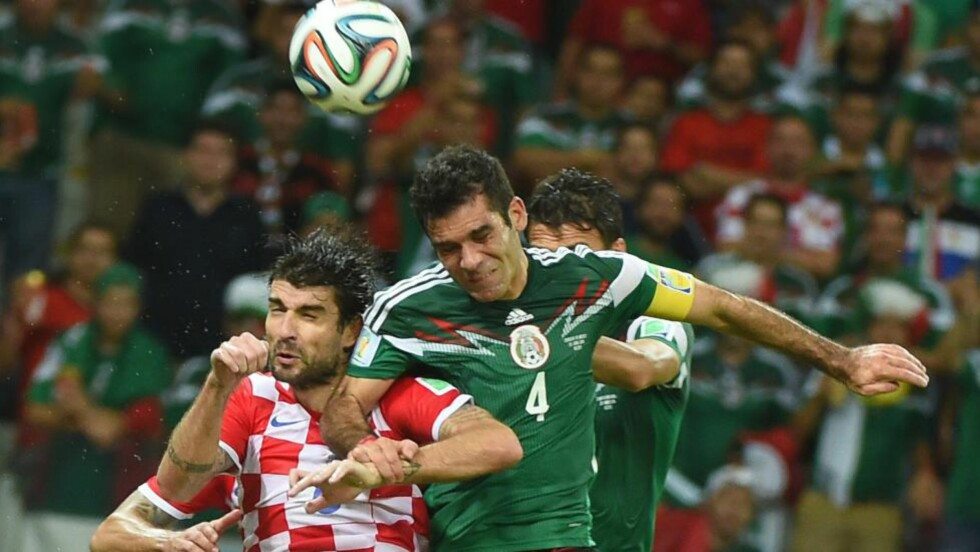 1-0: Rafael Marquez sendte Mexico ledelsen med et hodestøt etter 71 minutter. Foto: AFP PHOTO / EMMANUEL DUNAND / NTB Scanpix