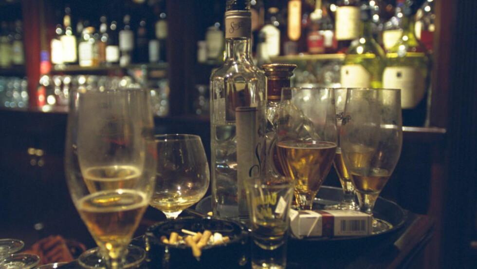 MINDRE FYLL: Nordmenn drikker mindre enn før, og det er ungdom som leder an i utviklingen. Foto: MJAALAND/ANNIKEN Dagbladet