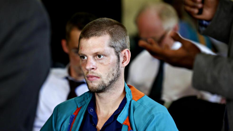 HÅPLØS SITUASJON: Joshua French har et akutt behov for legehjelp. Men i stedet for en sykehusseng sover han nå på gangen i fengselet. Foto: Marte Christensen / NTB scanpix