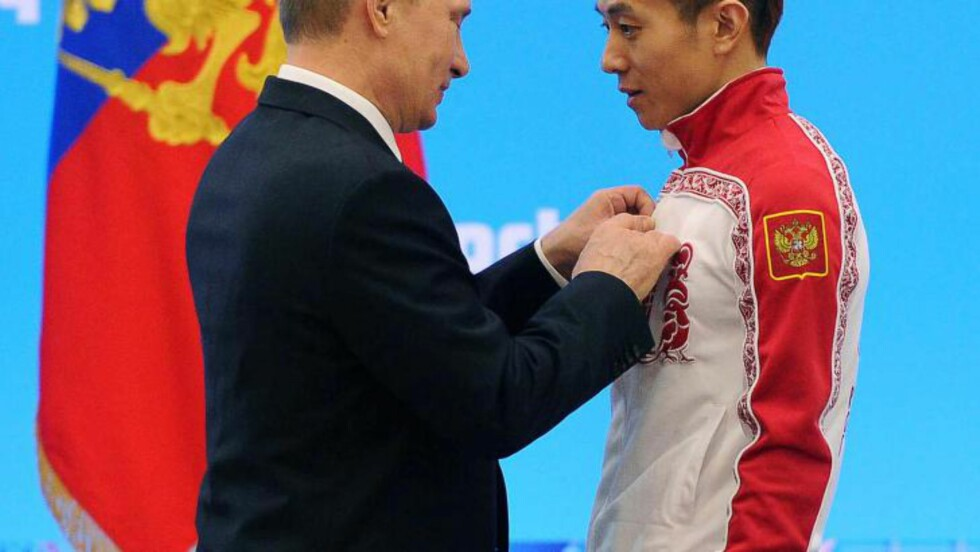 <strong>GODT KJØP:</strong>  Den koreanske kortbaneløperen Ahn Houi-Soon søkte på nettet etter et nytt land og fant Russland. Det ga tre gull i Sotsji-OL. FOTO: EPA/MIKHAIL KLIMENTIEV/RIA NOVOSTI/KREMLIN POOL.