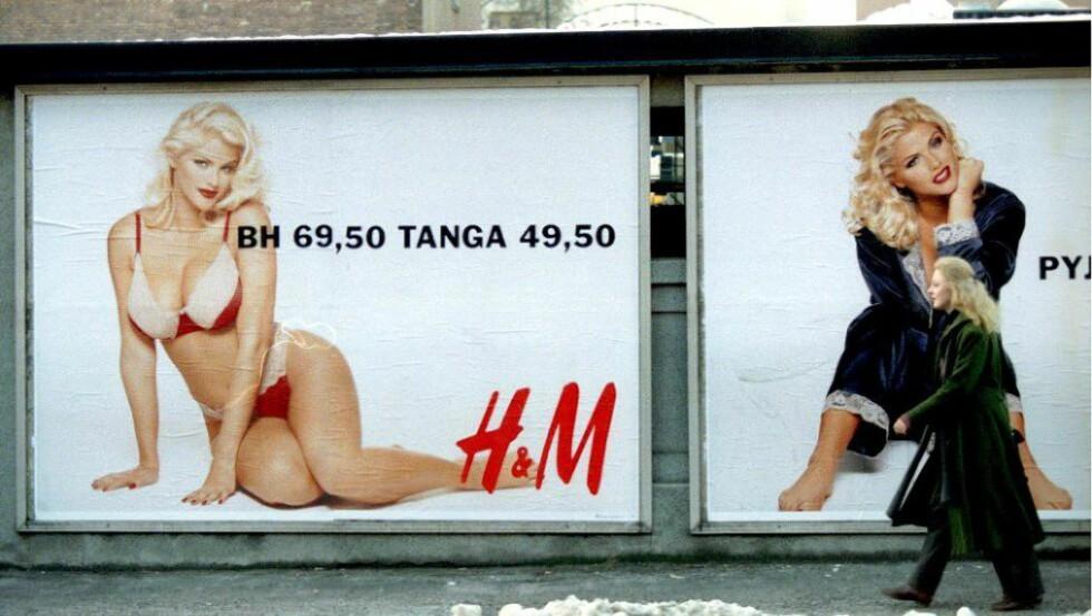 KROPPSKAMP: «Kampen mot skjønnhetstyranniet er viktig, men kanskje er det enorme fokuset på kropp et spor som gjør utseende viktigere en det strengt tatt er?» Bildet er fra 1993, og viser den kontroversielle H&M-modellen Anna Nicole Smith. Foto: NTB Scanpix