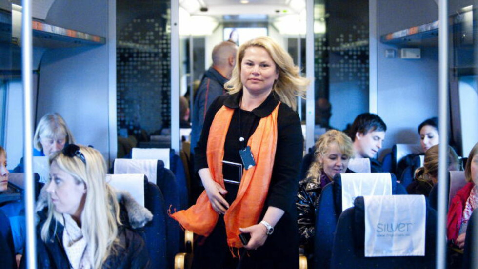 FAVORITTDAME: Linda Bernander Silseth, adm dir i Flytoget:  Flytogsjefen har lagt til rette for å få frem kvinnelige mellomledere og toppledere. Fleksibel arbeidstid og hjemmekontor i perioder med stort omsorgsansvar er eksempler på tiltak Silseth mener er viktig. 2013 var det beste driftsåret i Flytogets 15-årige historie. I 2013 satte de passasjerrekord med over 6,5 millioner reisende. I toppledelsen er tre av fem kvinner, og Flytoget har kvinnelig styreleder og to kvinnelige styremedlemmer. Kilde: Næringsdepartementet. Foto: Thomas Rasmus Skaug / Dagbladet.