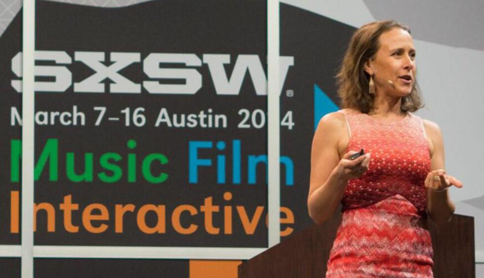 HUN VIL HA GENENE DINE: Anne Wojcicki er kalt USAs modigste toppleder. Hun driver 23andMe, som gir kundene en full DNA-profil for 99 dollar, og er blant mange på South by Southwest-konferansen som varsler en teknologidrevet privatisering og personalisering av helsetjenester. Foto: 23andMe