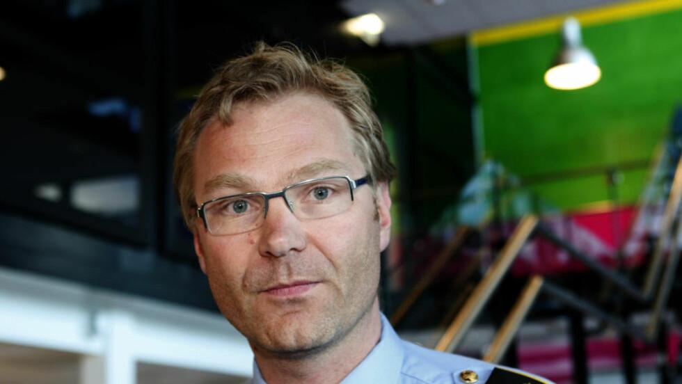 KRIGSFORBRYTESER: - Vi har siktet en norsk statsborger av afghansk opprinnelse for drap og krigsforbrytelser, sier politiadvokat Per Zimmer i Kripos. Ugjerningene skal skjedd mellom 1992 og 2000. Foto Knut Falch / SCANPIX