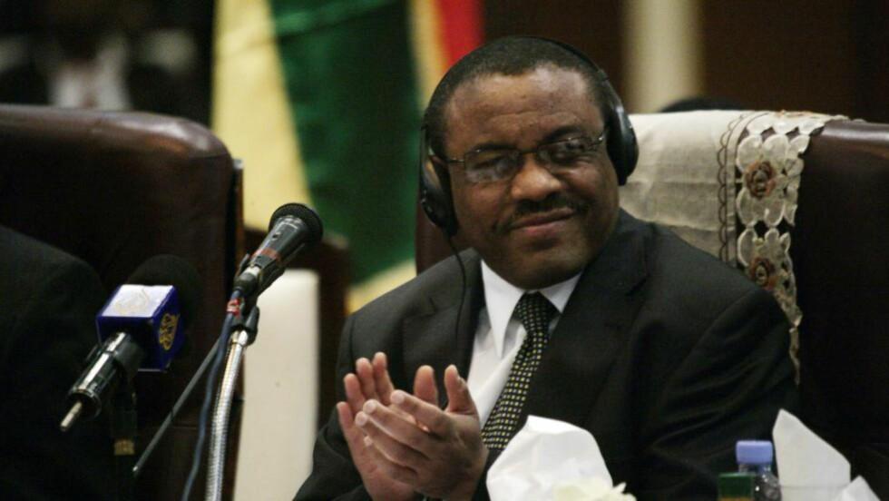 FØLGER MED: «Selv i Norge bruker etiopiske myndigheter svært avanserte, europeiskproduserte elektroniske overvåkingsverktøy til å avlytte avvikende røster blant den etiopiske diasporaen», skriver kronikkforfatteren. Bildet viser Etiopias statsminister Hailemariam Desalegn under et toppmøte i Sudan i fjor. Foto: NTB Scanpix